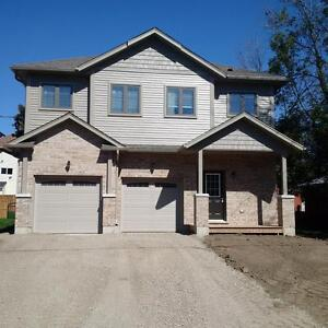 3BR Executive Suite in Shakespeare, -SEE OPEN HOUSE HOURS BELOW Stratford Kitchener Area image 1