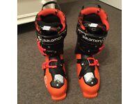 Men's Saloman ghost freestyle Ski Boots size 28 excellent condition