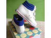 Mini Boden white leather hi tops baseball boots size 34 boxed, barely used