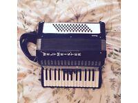 Weltmeister Rubin accordion (black) in original case 60 bass 30 treble VGC