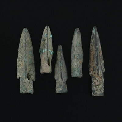 Lot of 5 Arrowheads Ancient Weaponry Triblade Pyramid Trilobate Patinaed
