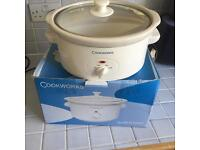 Slow cooker very good condition for sale.