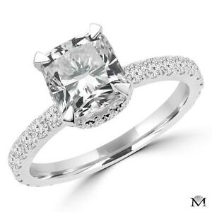 DIAMOND ENGAGEMENT RING WITH A 1.50 CARAT CENTER / BAGUE DE FIANCAILLE AVEC DIAMANT DE 1.50 CARAT