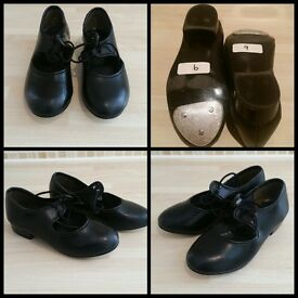 Girls tap shoes (Size 9)