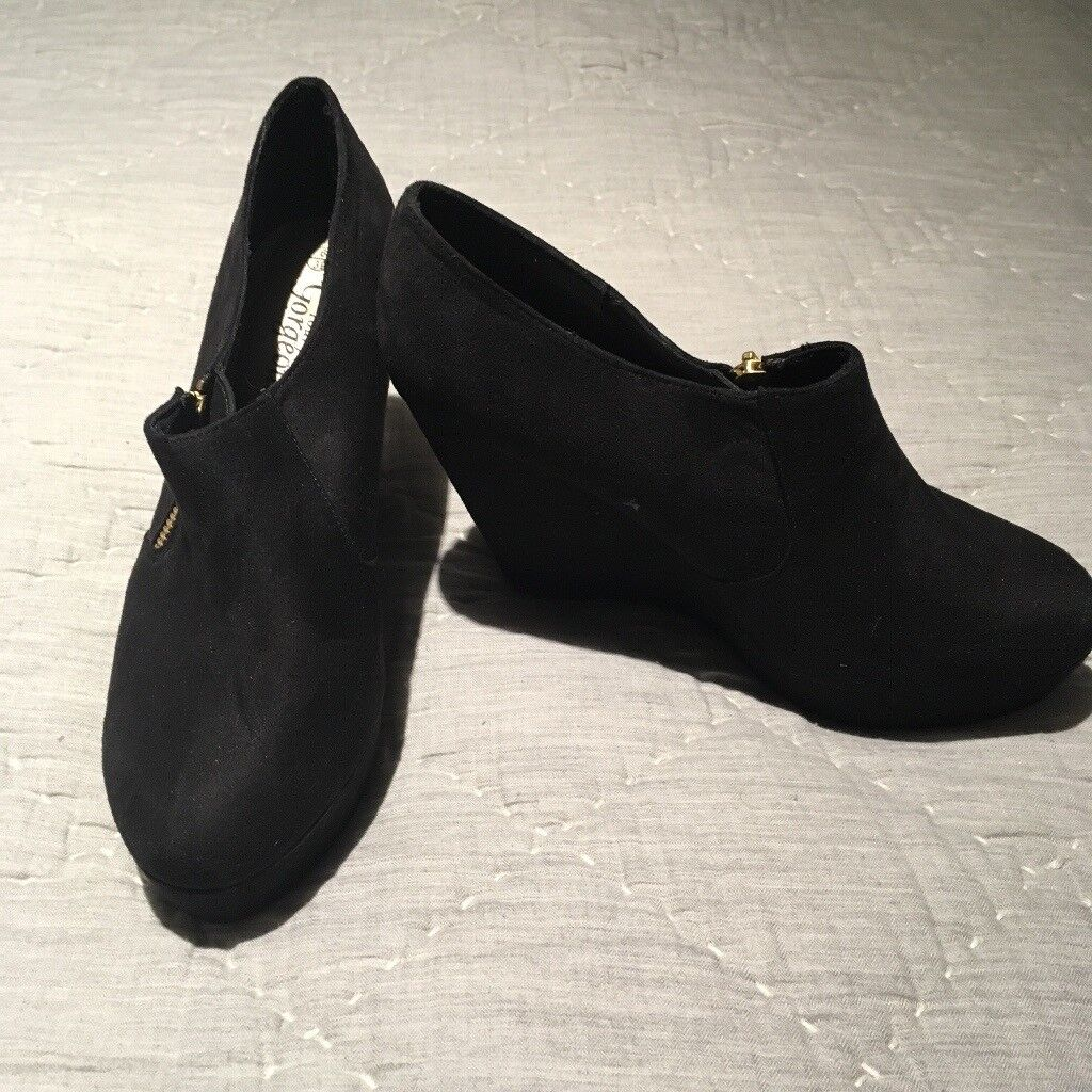 Ladies New Look Heels - Size 6