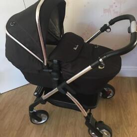 Silver Cross Wayfarer black with footmuff carrycot car seat and 2 raincover 3in1 Travel system