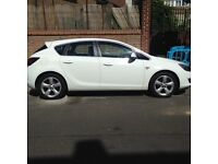 Astra 1.4 sri turbo white good condition