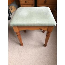 Dresding table stool