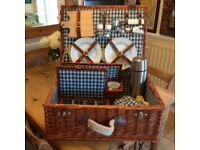FINE BRAND NEW TOP QUALITY PICNIC HAMPER ~ lovely gift, see all photo's just £35