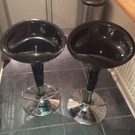 Adjustable black bar stools