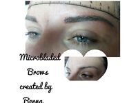 Microblading eyebrows with hair strokes