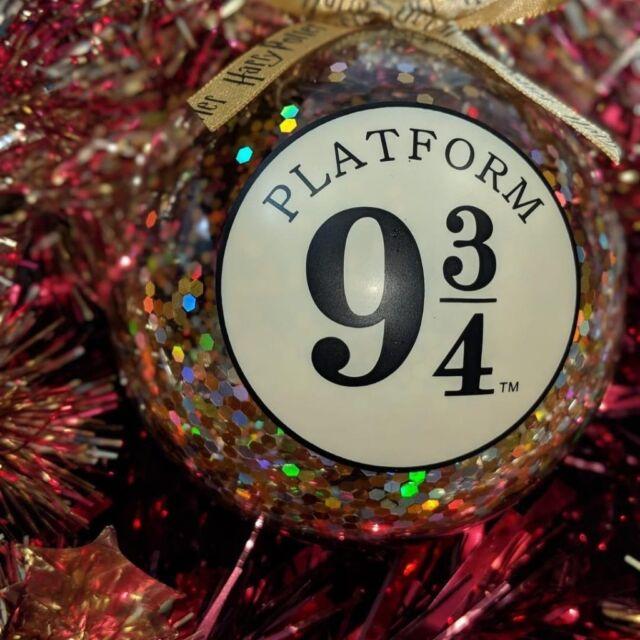 Bnwt Primark Harry Potter Platform 9 34 Christmas Glitter Bauble In