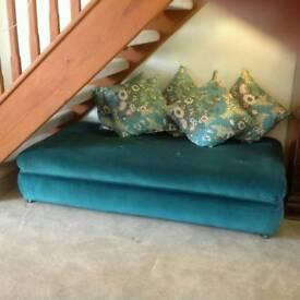 Backless sofa/divan chair