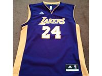 Adidas Men's Los Angeles Lakers Kobe Bryant Purple Player Swingman Jersey M