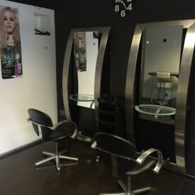 Salon To Let