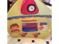 Kids Pop up Tent Excellent Condition