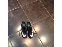CR7 Junior football boots