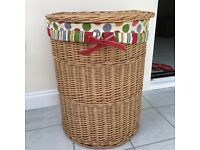 Natural Laundry Lined Wicker Basket Exc condition