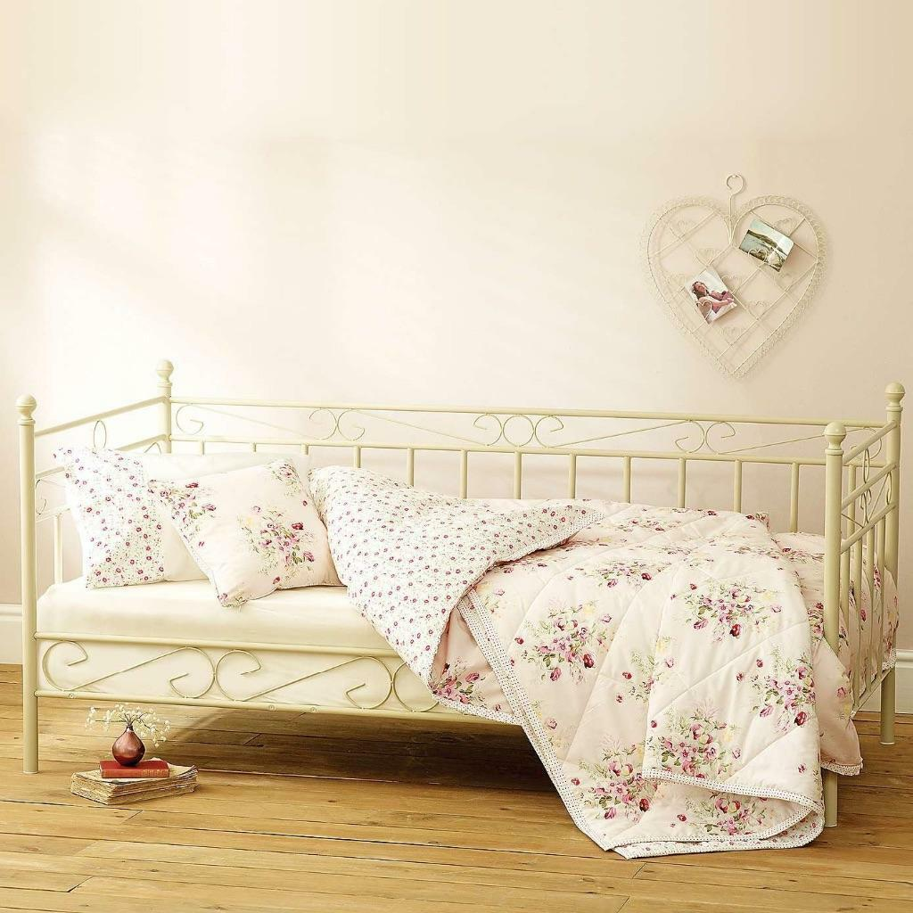 shabby chic ivory cream country daybed dunelm new with new ikea single mattress for day bed. Black Bedroom Furniture Sets. Home Design Ideas