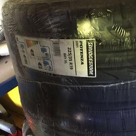 BRAND NEW 225 35 19 tyre. bridgestone potenza S001 88Y, XL, set of 4 tyres available