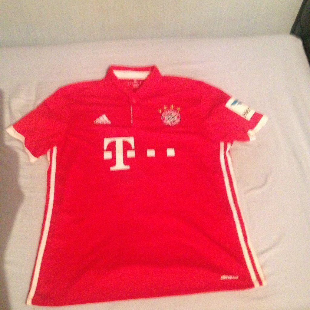 Bayern Munich Home Shirt Robert Lewandowski 9 Shirt 2016-2017 Like New Size Adult Medium