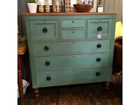 Large Georgian antique chest of drawers