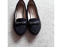 Ladies shoe size 4 (36) only worn once excellent condition