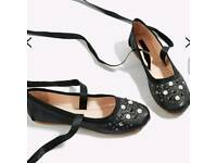 Brand new Topshop women flat pumps size 5