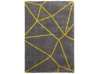 £40 ONO Two Tone Geometric Design Soft Shaggy Pile Rug