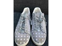 Nike trainers size 5 ladies
