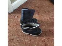 Boy winter boots