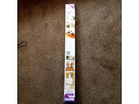 Dreambaby Retractable Gate F810 140cm wide - New Unused in box