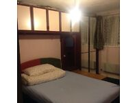 Big double room to let in UB10, £100 per week