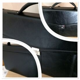 High Quality Ocello Faux Leather Briefcase. FREE POSTAGE TO ANY UK MAINLAND ADDRESS!