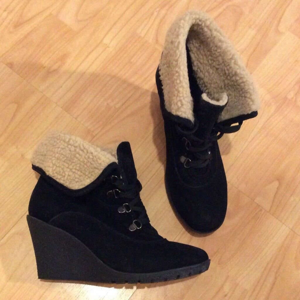 Black faux Suede Lace Up Sheepskin High Heel Wedge Winter Ankle Boots, by Peacocks Size 6