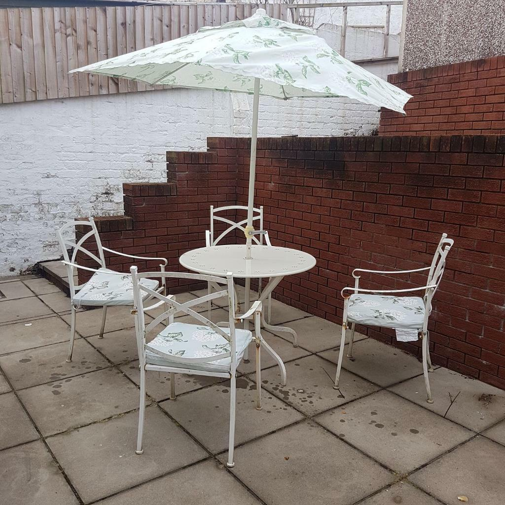Patio table and chairs Laura Ashley. inc cushion pads &parasol. - Patio Table And Chairs Laura Ashley. Inc Cushion Pads &parasol. In