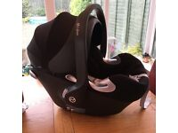 Cyber Aton Q with isofix base
