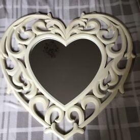 CREAM HEART MIRROR