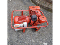 Briggs & Stratton 7.5HP petrol Generator 110V for building site use