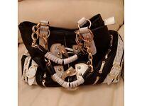 Womens Hand Bag Purse Black Chains Beige Zip Used