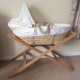 Moses Basket Beautiful condition - Mamas & Papas