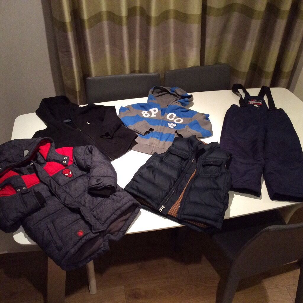 Lovely selection of boys clothing age around 5 years oldin Denny, FalkirkGumtree - Great selection of clothes suits age around 5years although some clothes age 4(large fit) up to age size (small fit with adjustable waist band). Clothes include GAP navy body warmer Spider Man winter jacket 3 Pommes hoody Ralph Lauren hoody...
