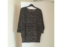 Woman's size 10 top from warehouse