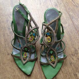 ladies green high heeled sandlas size 5