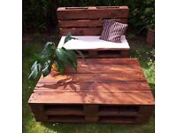Reclaimed pallets cofee table on wheels