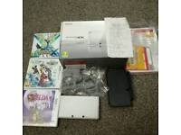 Nintendo 3DS like new with games