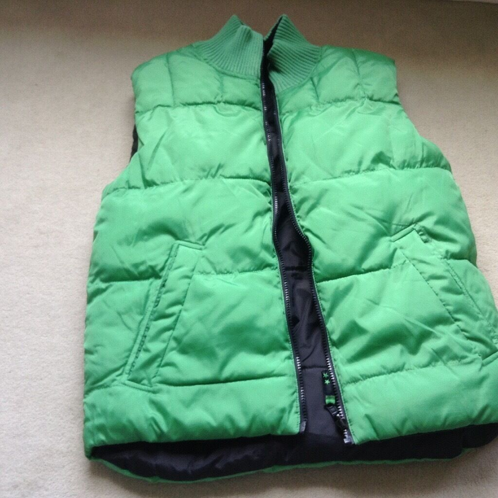 193c5bdd8 Boys reversible black/green gilet size 13-14 years | in Cheltenham ...