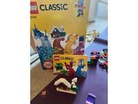 Lego classic set 10704 900 pieces