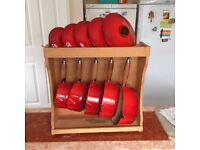 Le Creuset - Set of 5 Saucepans + Display Stand