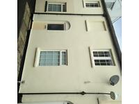 2 bed unfurnished house in private rd off bath rd , cental cheltenham